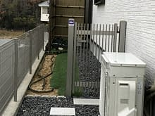 奈良県生駒市 角柱フェンス 人工芝設置施工前