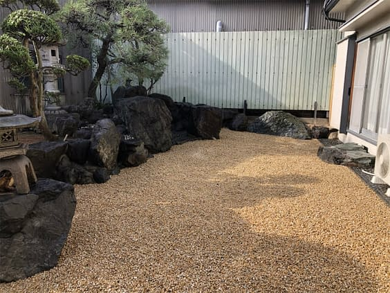 大阪市平野区 B様邸 庭リフォーム工事 庭木剪定施工後