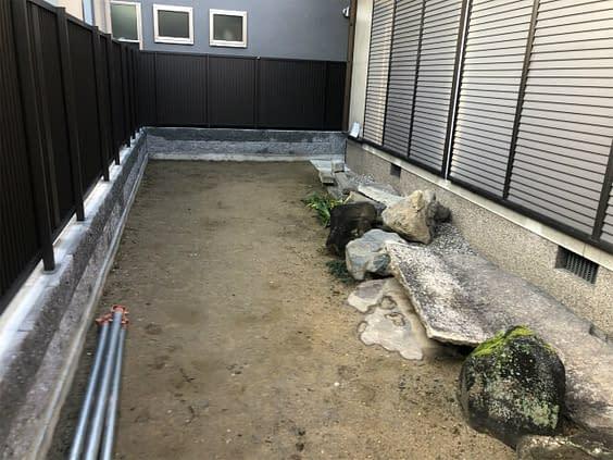 枯山水の庭づくり施工前